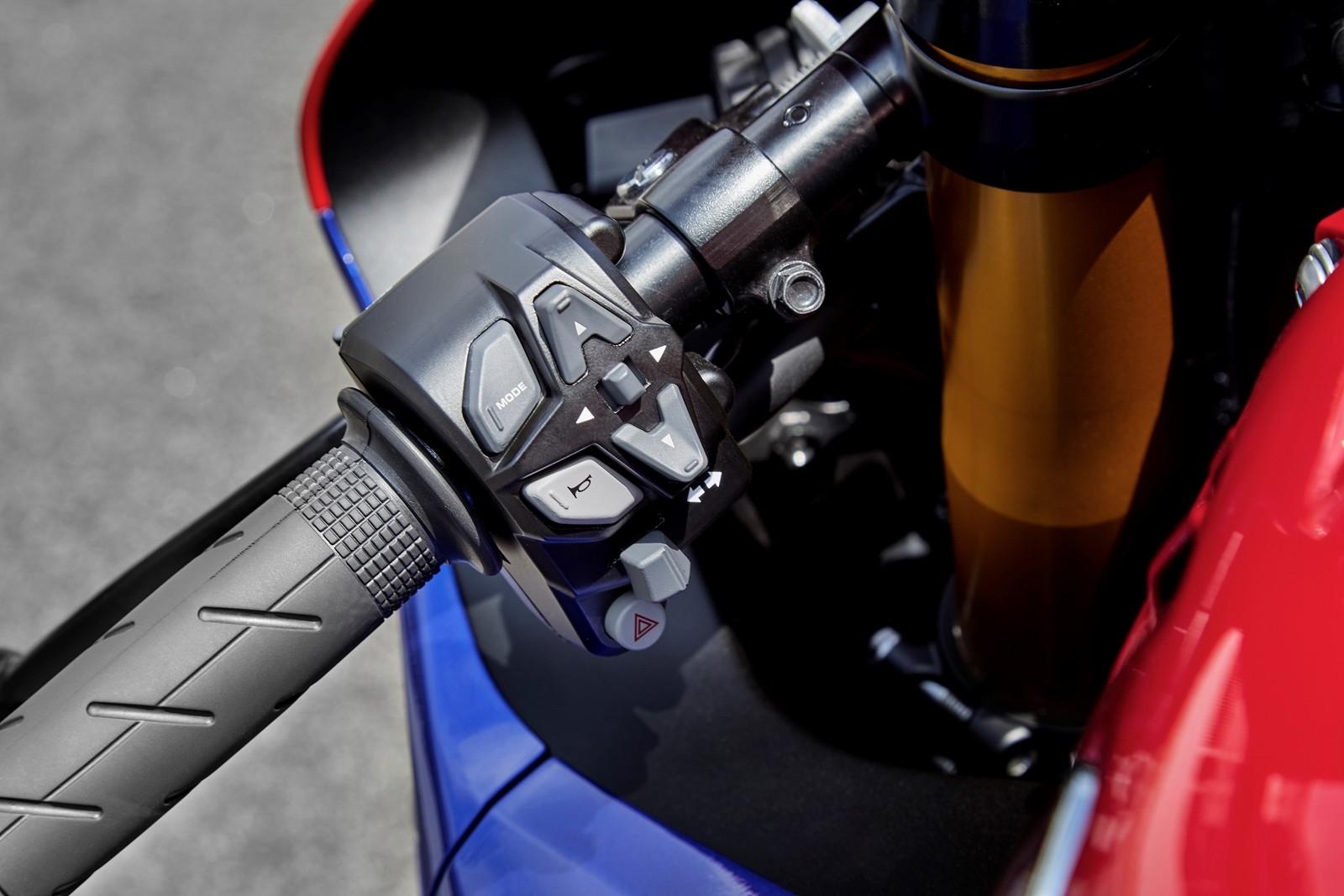 Foto de Honda CBR1000RR-R SP Fireblade 2020 (6/35)