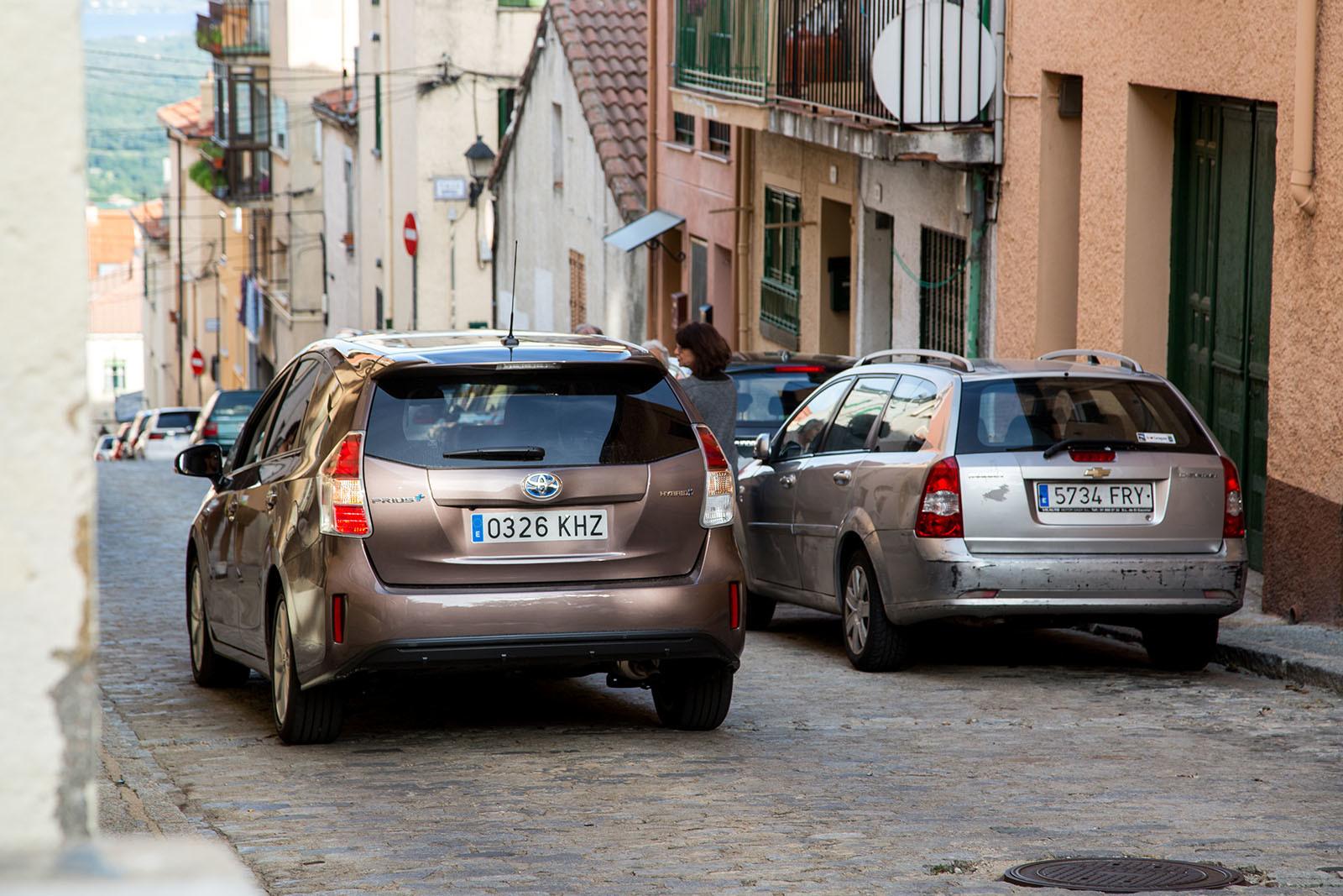 Foto de Toyota Prius+ Adanvance - Fotos de acción (8/16)