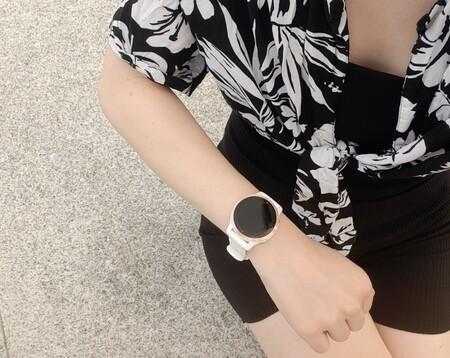 Ponemos a prueba el nuevo Garmin Venu 2S, el smartwatch para las más deportistas que también eleva cualquier look