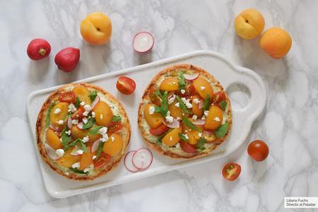 Pitas pizza de albaricoque con queso de cabra