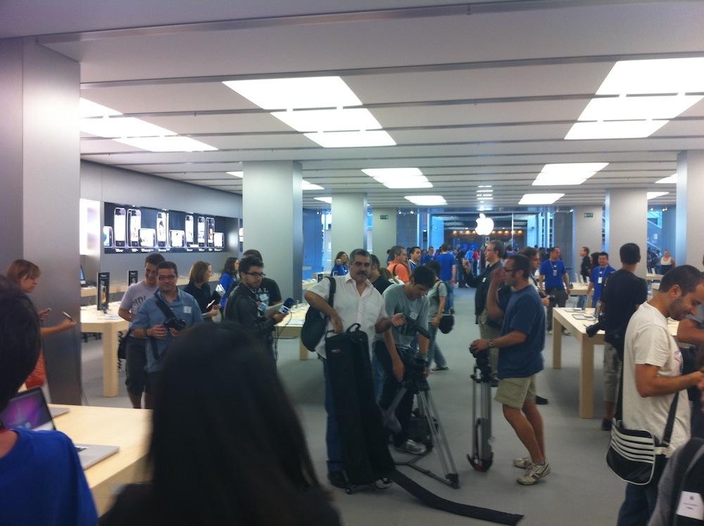 Foto de Inauguración Apple Store La Maquinista (23/93)