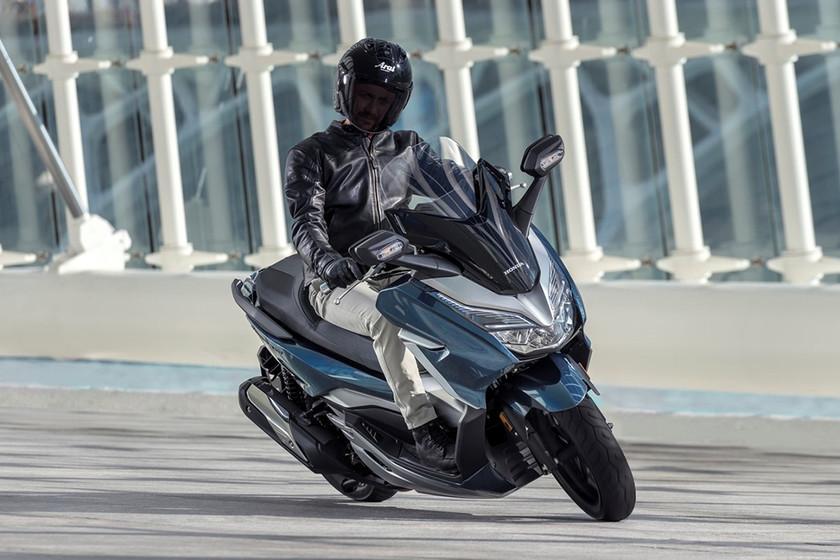 Promociones de motos para el verano: Silence y Benelli hacen