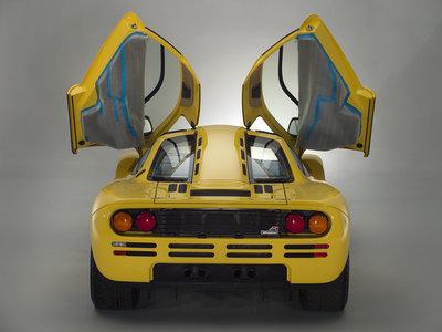 ¡El negocio del siglo! Aparece un McLaren F1 nuevo a estrenar, con sus plásticos y todo