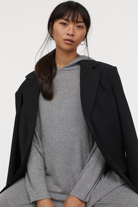 Cinco jerséis de H&M premamá que puedes llevar aún después de tener a tu bebé