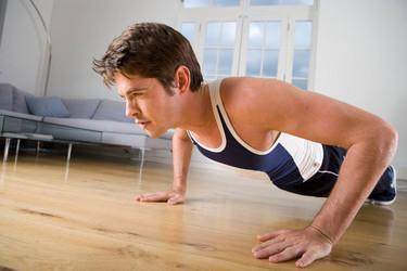 Tres rutinas full body para entrenar en casa