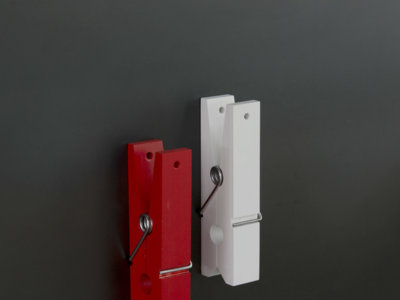 Originales pinzas magnéticas para colgar de todo en el hogar