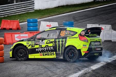Valentino Rossi no se asusta de Dani Sordo y vence su quinto Monza Rally Show