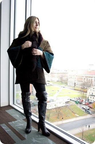Looks de calle para estos días: vestidos e ideas para esta Nochevieja, capas