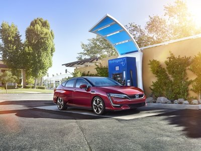 El Honda FCX Clarity homologa 589 kilómetros de autonomía EPA a base de hidrógeno