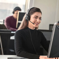 Jabra Evolve2 30: auriculares certificados por Microsoft para funcionar con Teams pensados para el teletrabajo