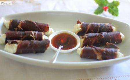 Crujientes de cecina con gorgonzola, mascarpone y miel de palma, una receta de aperitivo para un picoteo elegante
