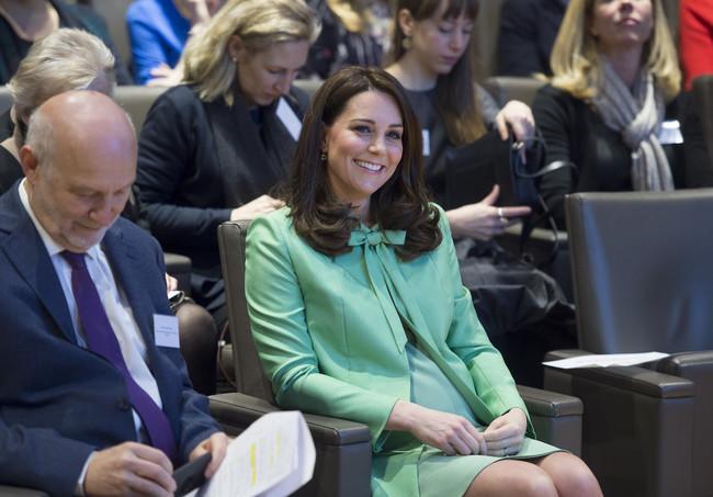 Kate Middleton Con Conjunto Verde Manzana
