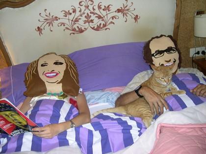 Para re r en la cama cojines con tu retrato - Cojines con tu foto ...