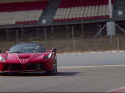 Video: ¿Qué pasa cuando le das un Ferrari LaFerrari Aperta a Sebastián Vettel?