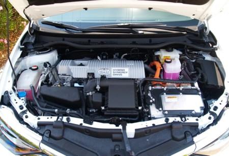 Toyota Auris 2015 Hibrido 28