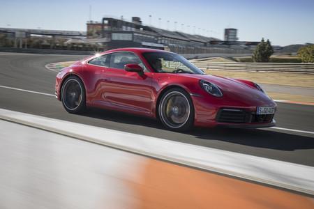 Porsche 911 992 en pista