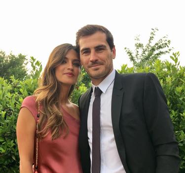 Famosos invitados de boda: de Sara Carbonero a Tamara Gorro y futbolistas respectivos