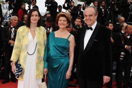 Frédéric Mitterrand advierte de una televisión conectada a internet que impulse la piratería