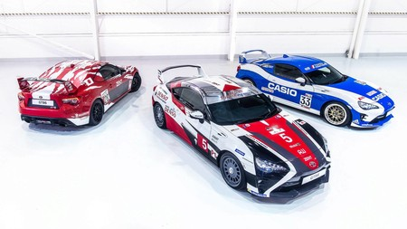 Estos tres Toyota GT 86 celebran la historia de la marca japonesa en Le Mans, en la 86ª edición de la carrera