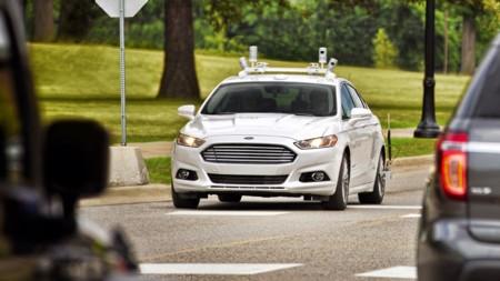 Ford Fusion Hybrid Autonomo 4