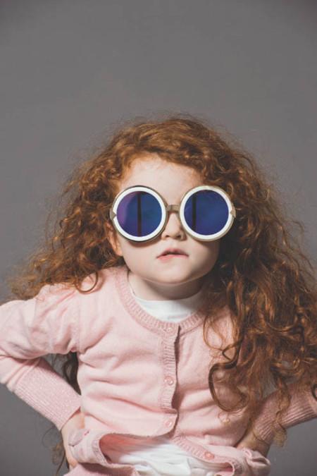 Karen Walker presenta su nueva colección de gafas y tú solo querrás decir ¡Aww!