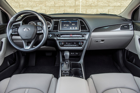 Hyundai Sonata 2018 4