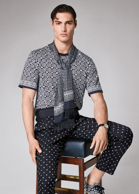 Inspírate en Dolce & Gabbana y agrega a tus looks un toque jet set con el foulard