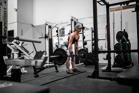 Qué deporte elegir si llevas mucho tiempo sin moverte según tu edad, peso y objetivos