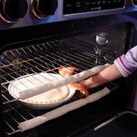 Evita las quemaduras en el horno con un simple protector