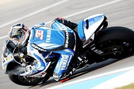Superbikes Europa 2011: Belleza y espectáculo en la primera victoria de Marco Melandri
