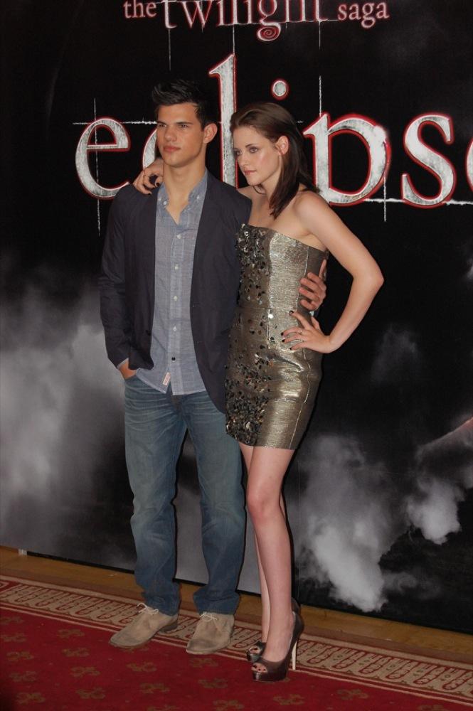 Foto de Más looks de Kristen Stewart presentando lo nuevo de 'Crepúsculo', 'Eclipse': en busca del estilo (8/18)