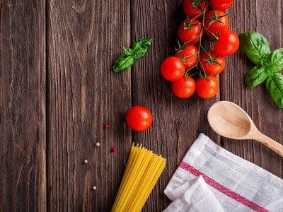 """Cuando busco """"cocinar"""", Google Images me muestra mujeres: ¿debería Google modificar los resultados?"""