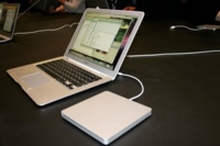 El SuperDrive externo del MacBook Air, exclusivo