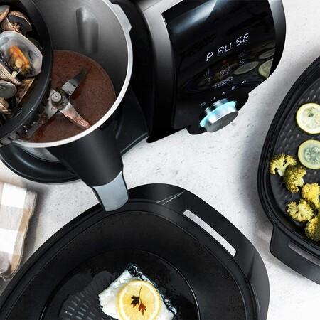 El robot de cocina low cost más vendido en Amazon es este Cecotec, está rebajadísimo hoy (y viene con dos jarras para cocinar)