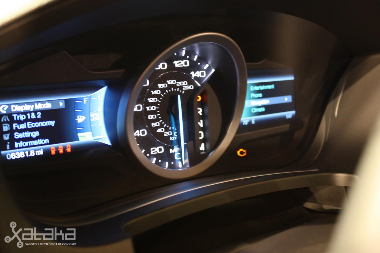 Foto de Ford Sync y MyFordTouch, el nuevo interfaz de Ford para coches (3/23)