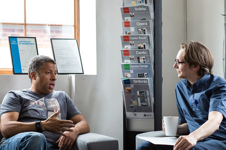 Comunicar en la empresa también implica escuchar lo que no nos gusta oír
