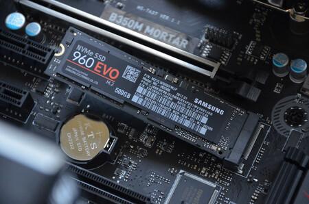 Windows 10 comenzará a monitorizar la salud de los SSD NVMe para detectar fallos de hardware