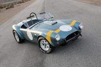 Shelby celebra el 50 aniversario del Cobra de carreras
