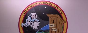 La vida de un astronauta no es sencilla, así se duchan y usan el inodoro en el espacio