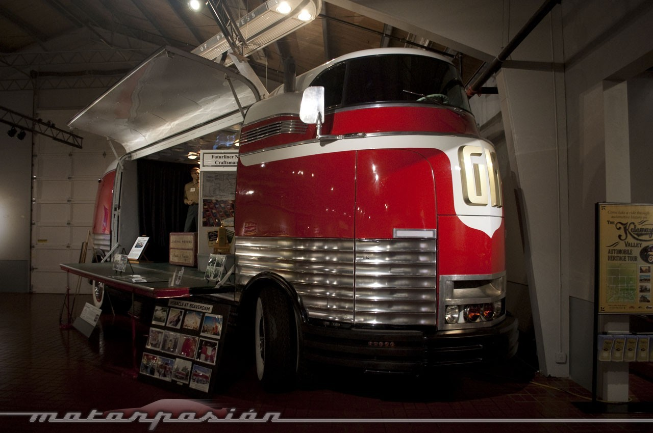 Foto de Gilmore Car Museum (59/61)