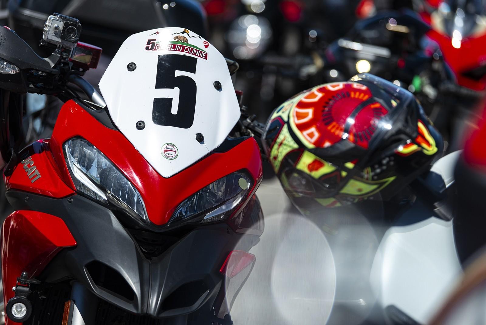 Foto de Ducati Panigale V4 25° Anniversario 916 (31/73)