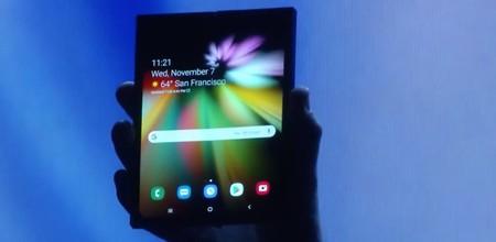 Samsung muestra por primera vez su teléfono con pantalla plegable, así luce