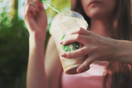 ¿Son un fraude los cafés de Starbucks? Algunos clientes creen que sí