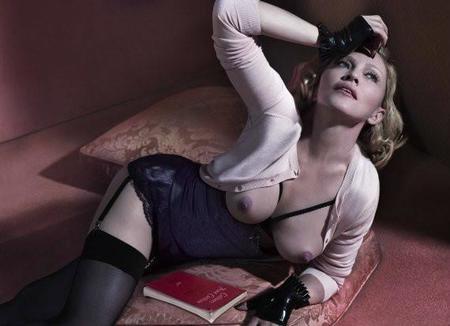 O Madonna Topless 570