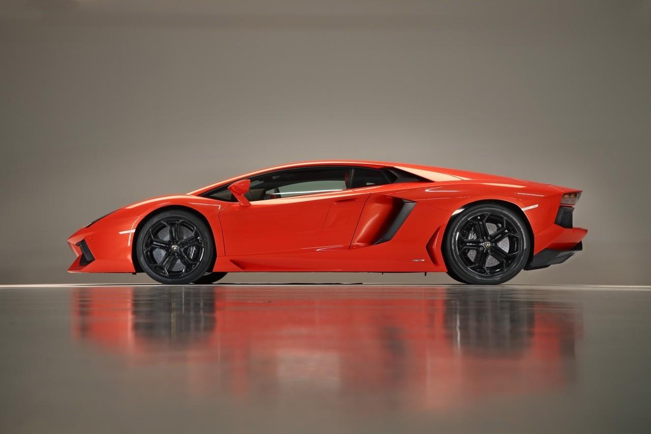 Foto de Lamborghini Aventador LP700-4 (47/62)