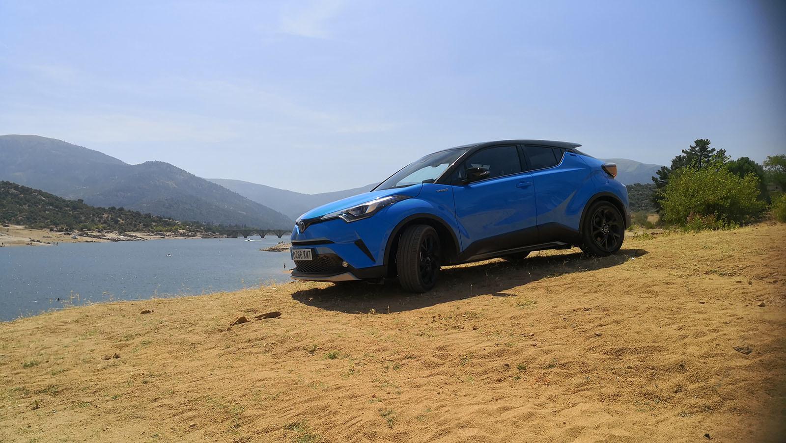 Foto de Toyota C-HR Dynamic Plus - Fotos exteriores (27/30)