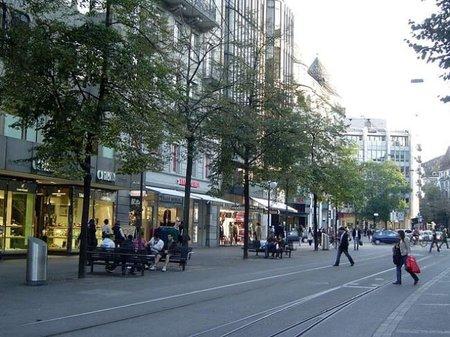 Bahnhofstrasse, donde vive el lujo en Zurich
