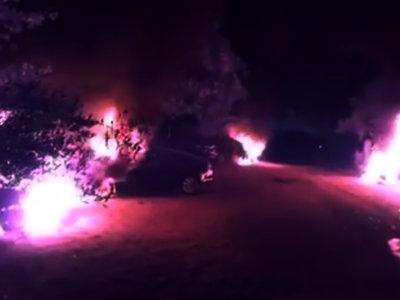Un incendio destruye nueve coches de Cabify encerrados durante la Feria de Abril de Sevilla