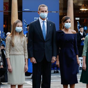 Doña Letizia con su vestido más espectacular y la princesa Leonor con el menos acertado: así han sido los looks de los Premios Princesa de Asturias 2020