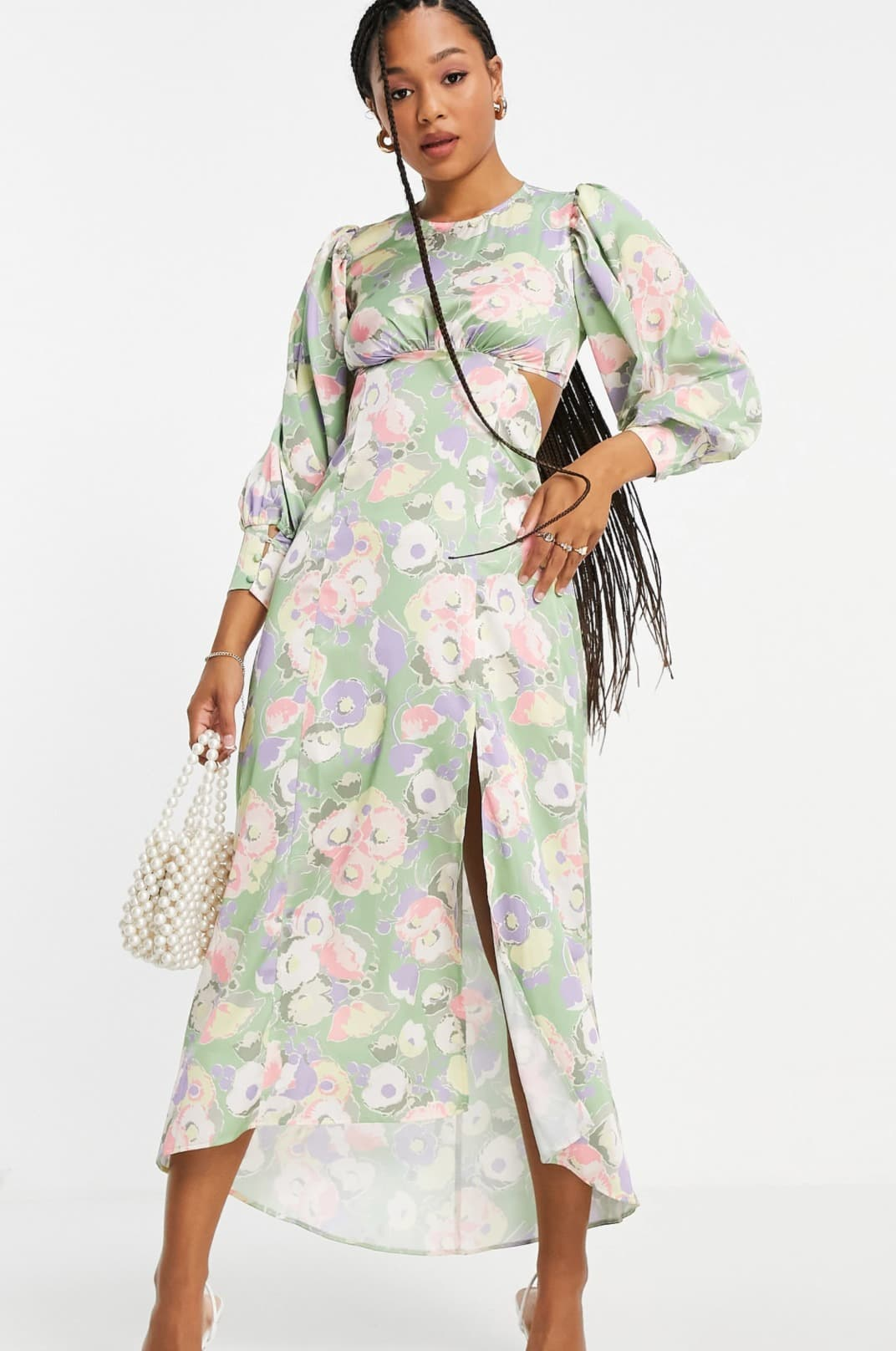 Vestido midi con estampado floral y cordones en la espalda de satén de Miss Selfridge